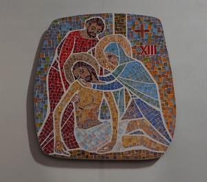 Station XIII: Jesus tas ner från korset